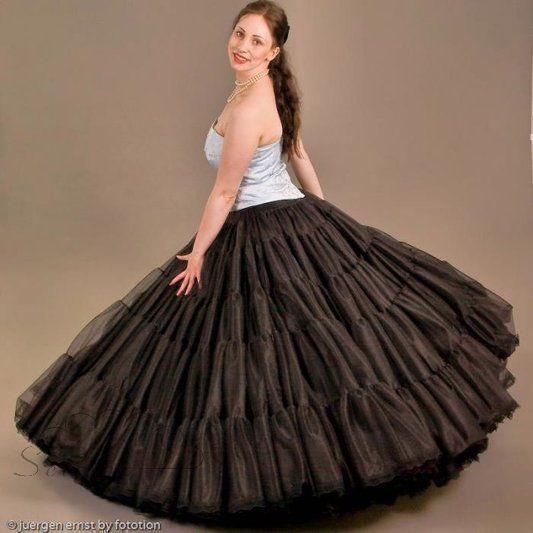 petticoat schwarz  mit spitzenabschluss  lang  4 lagen