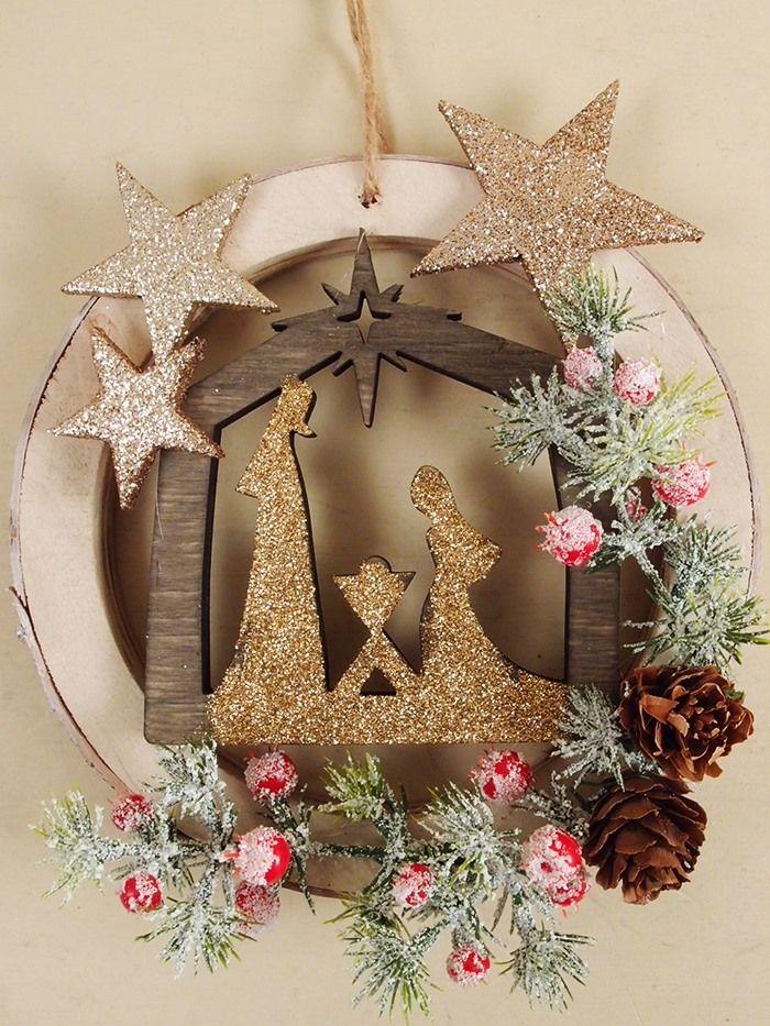 Ghirlanda natalizia decorata idee e accessori natalizi for Idee e accessori
