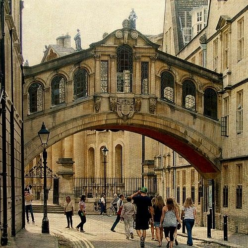 Bridge of Sighs, Oxford , #England. The whole city is so stunning.
