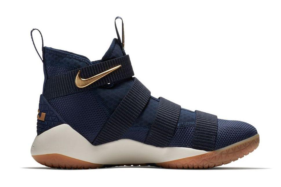 a5a38c211b87 Nike LeBron Soldier 11