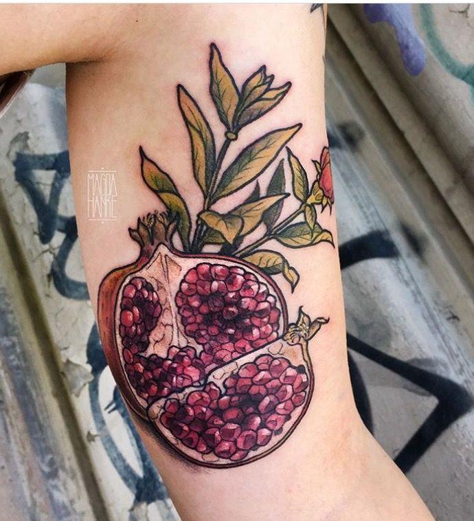 magda hanke pomegranate tattoo the german crew pinterest pomegranates tattoo and piercings. Black Bedroom Furniture Sets. Home Design Ideas