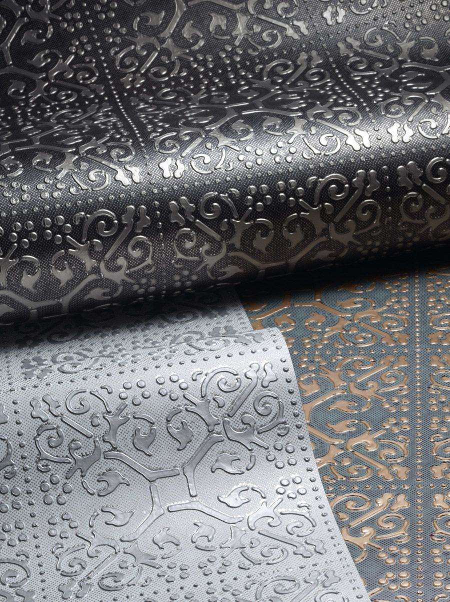 Ornamental texture metallic wallcovering