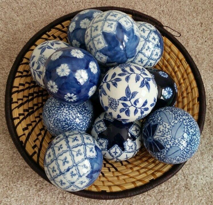 Lot 12 BOMBAY CHINA Porcelain Balls BLUE & WHITE ...