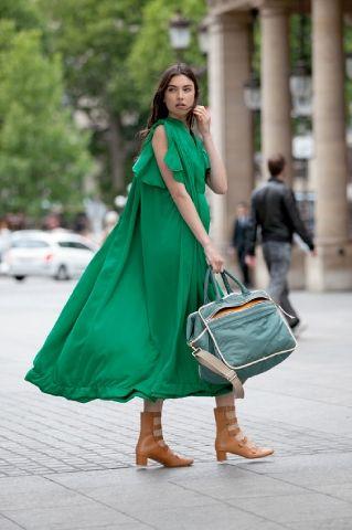 Зеленое платье от Chloe