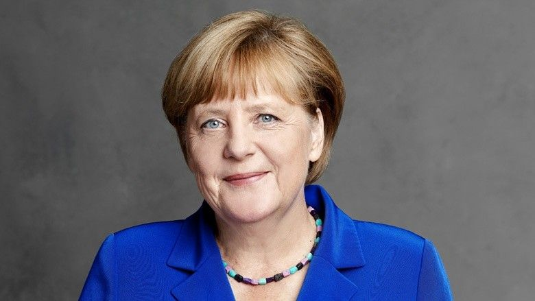 Bundeskanzlerin Bittet Bevolkerung Um Geduld In 2020 Angela Merkel Machtige Frauen Merkel