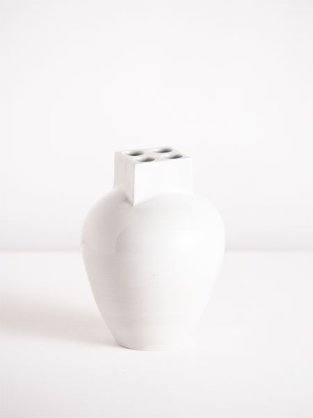 Vase With Square Top And Four Holes H 22cm This Vase Combines A Straightforward Body With An Unusual Top The Proportions Vase Ceramic Vase Ceramics