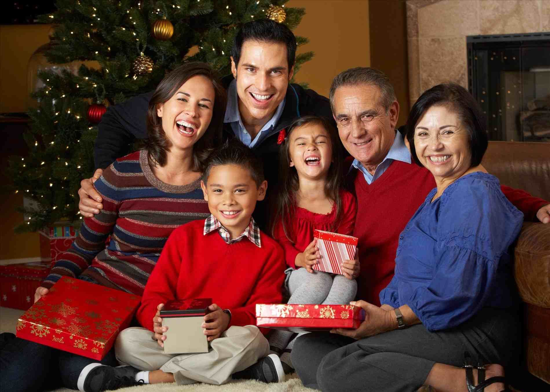 New Post Professional Family Christmas Pictures