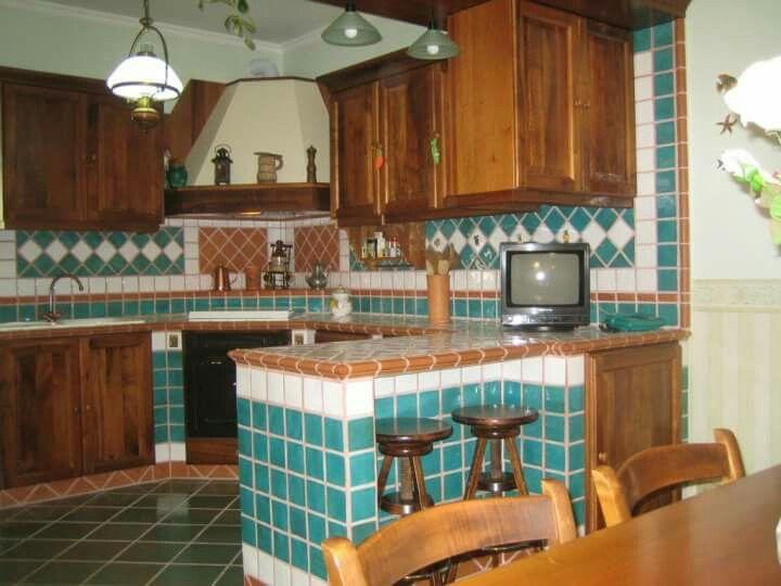 Cucina in muratura piastrelle artigianali piastrelle