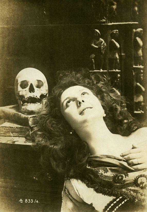 Vintage macabre post card (Victorian?)
