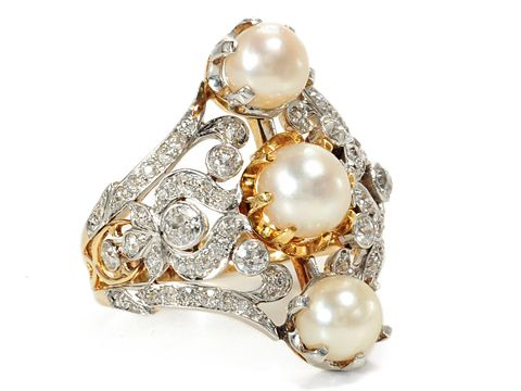 Vintage Diamond & Pearl Ring. So fabulous.