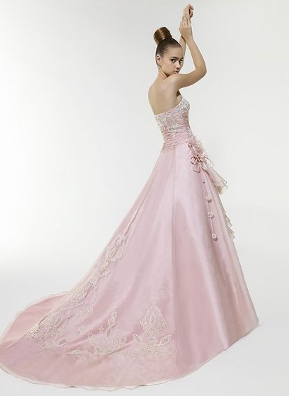 traje de novia rosado | Trajes de novia | Pinterest | Traje de novio ...