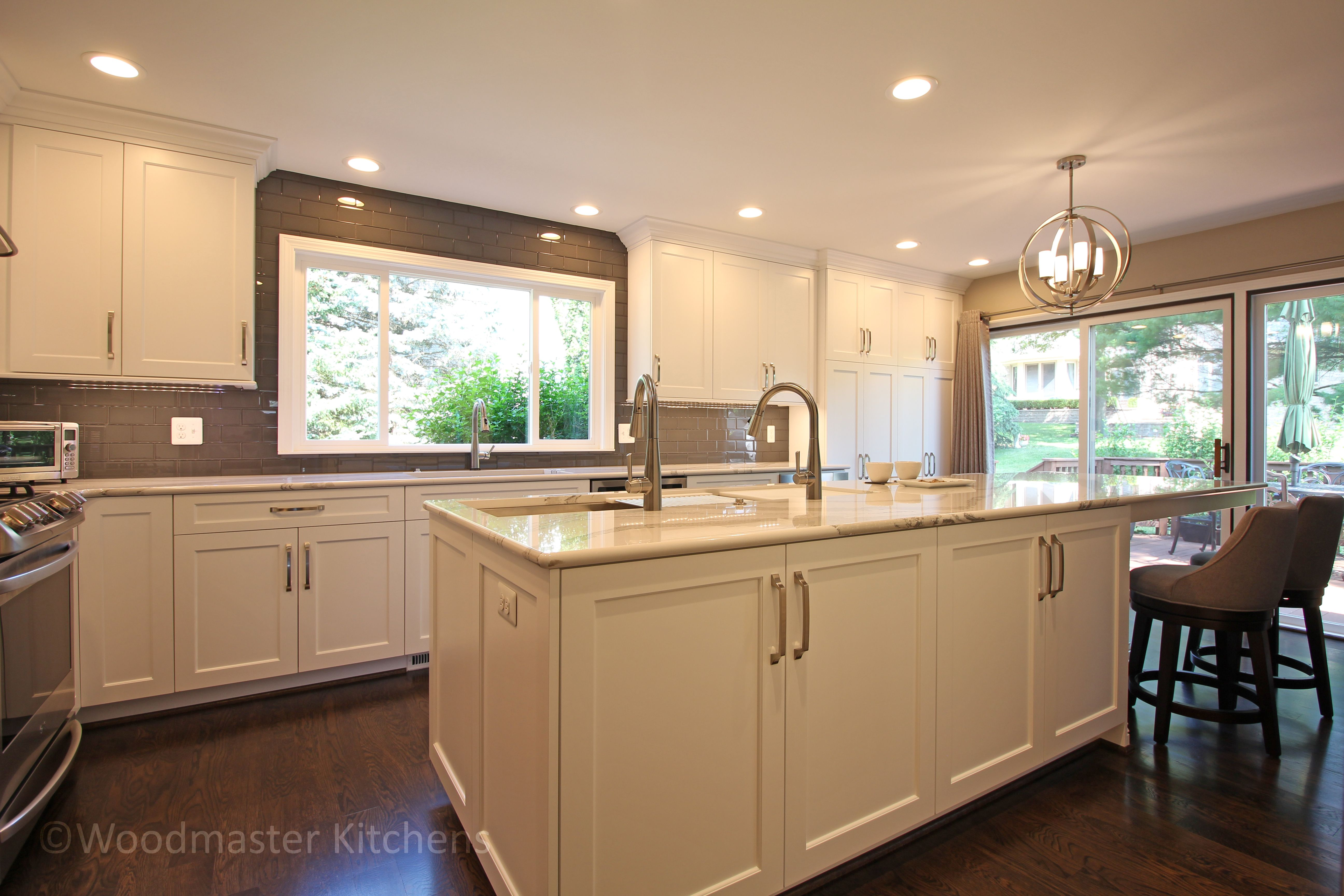 This Home Remodeling Project Included A Kitchen Remodel Plus A New Front Door And Foyer Upgrade The Kitc Modern Kitchen Design Kitchen Design Kitchen Remodel
