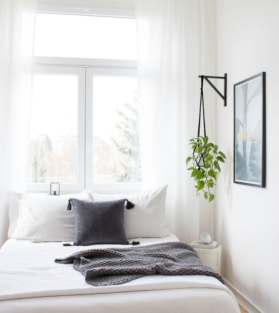 Diy blumenampel im schlafzimmer bedroom inspiration white interior scandinavian new home - Inspiration schlafzimmer ...