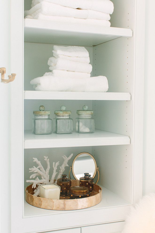 Bathroom Bookshelf Decor | Beach Cottage Bathrooms | Pinterest ...