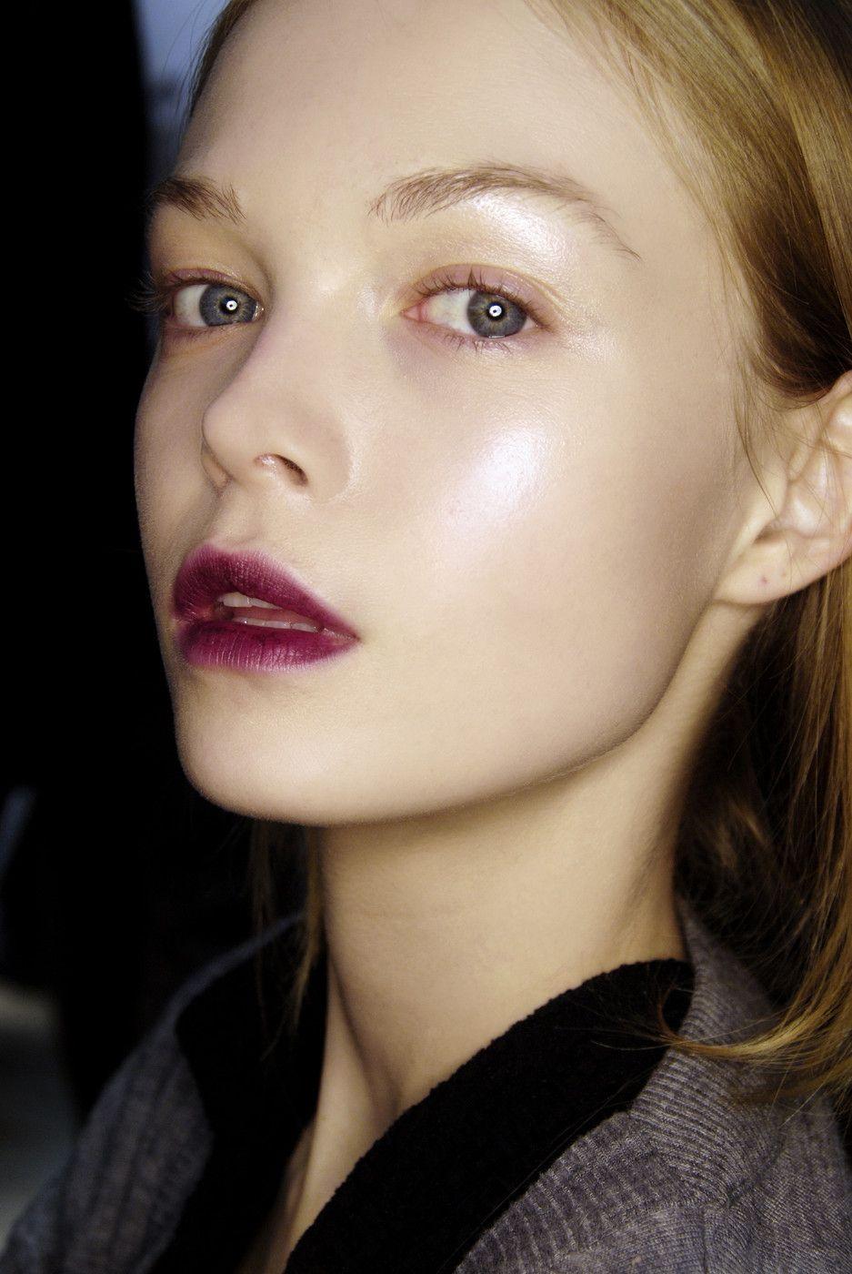 deep purple lip stain