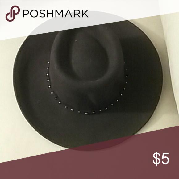 Brown hat Detailed band Liz Claiborne Accessories Hats 9cad2e7a1d54