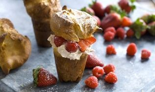 Cardamom popovers with cinnamon marscapone and berries. Gorgeous. (Photo by Matthew Mead, Associated Press) #dessert