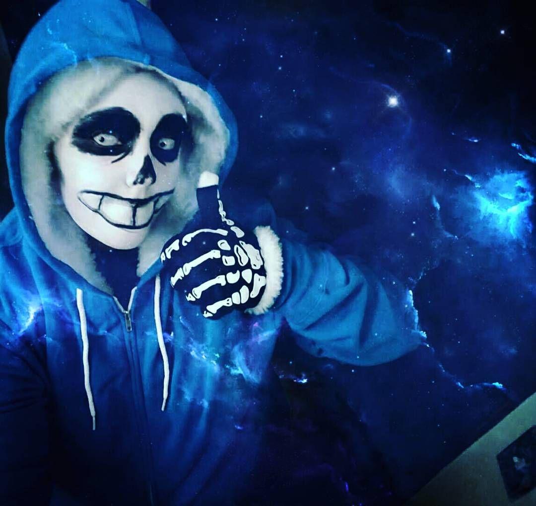 Living in a world swallowed in blue #skeleton #undertale #undertalecosplay #sans #undertalesans #sanscosplay #makeup #makeupartist #cosplay #cosplaymakeup #contacts #blue #wannahaveabadtime #sansy #cosplayaddict #glow #fur