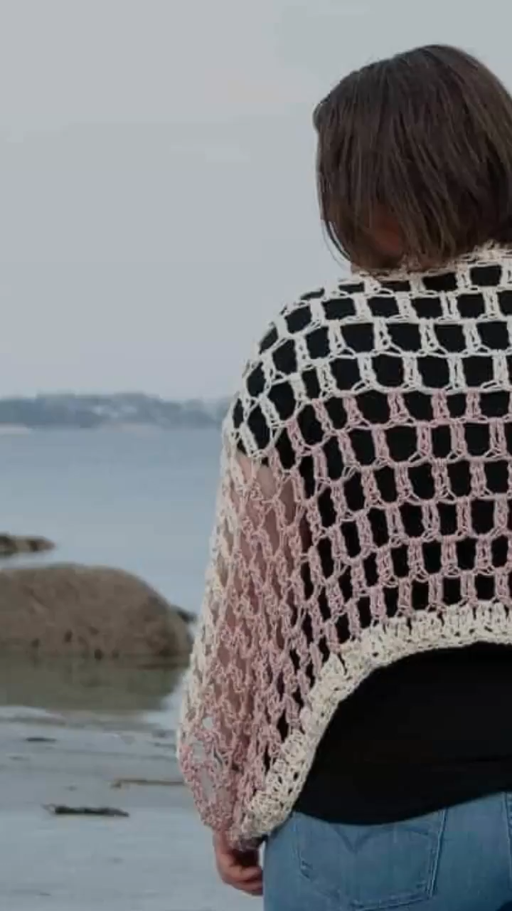 Photo of Airy Shrug – FREE Crochet Pattern