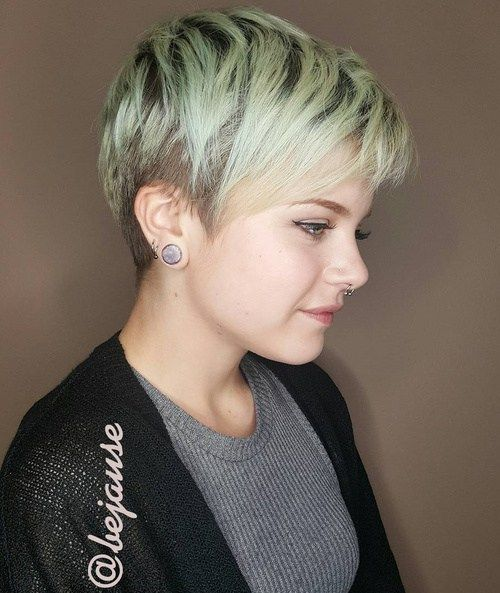 20 Stunning Looks With Pixie Cut For Round Face Hair Pinterest