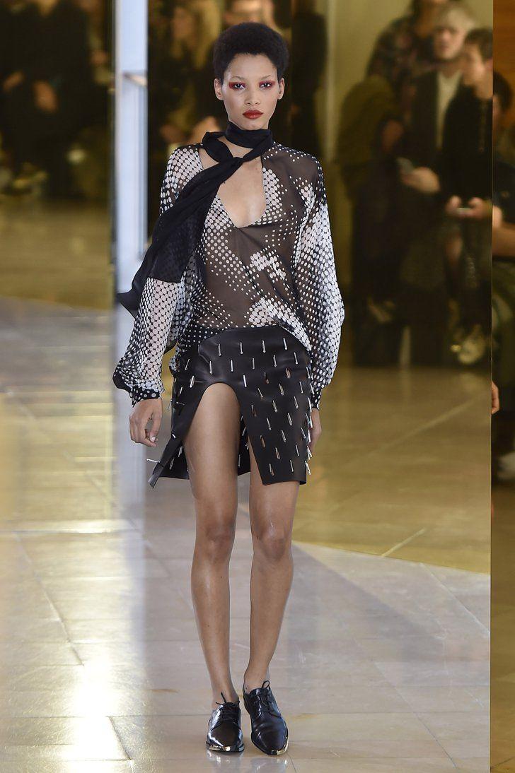 Pin for Later: Best of de la Fashion Week de Paris Anthony Vaccarello Printemps/Été 2016