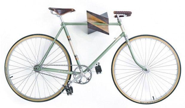 iceberg wood bike hanger par woodstick objets v lo bois porte velo et support velo. Black Bedroom Furniture Sets. Home Design Ideas
