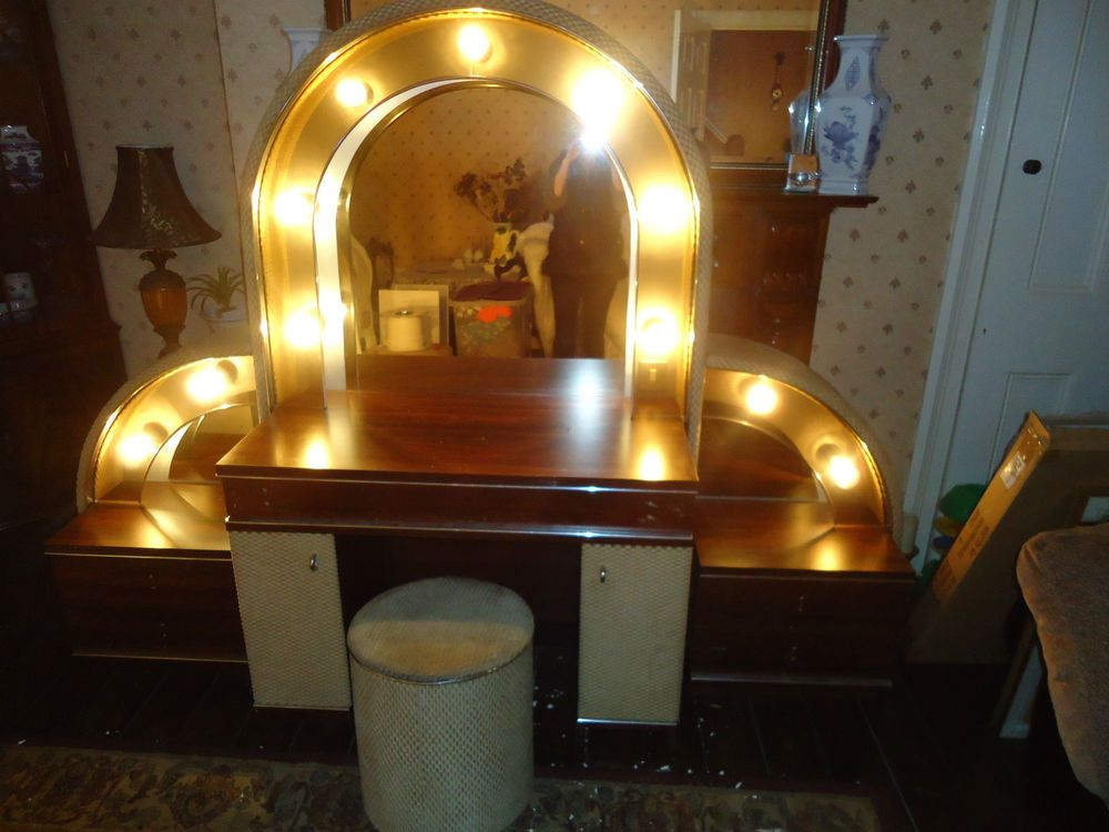 1930s 1940s 1950s Style Hollywood Theatre Dressing Room
