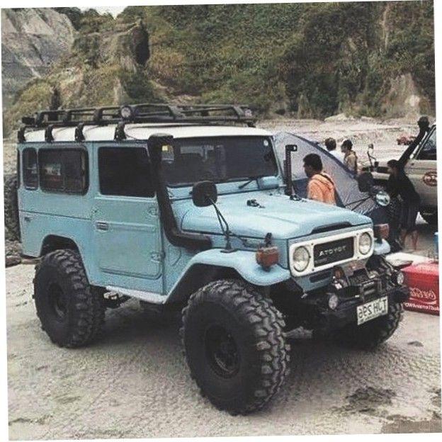 Jeep Roof Hoist: Light Blue Toyota Land Cruiser BJ44 On Beach With Snorkel