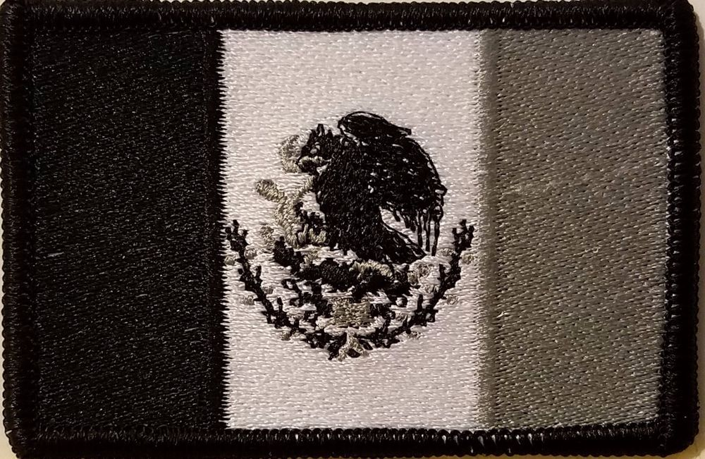 PANAMA Flag Iron-On Patch Tactical Morale Emblem Black Border Version I