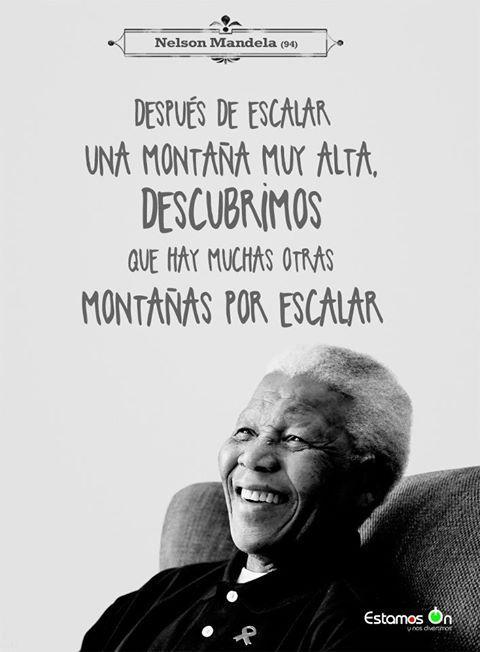 Nelson Mandela Despues De Escalar Una Montaña Muy Alta