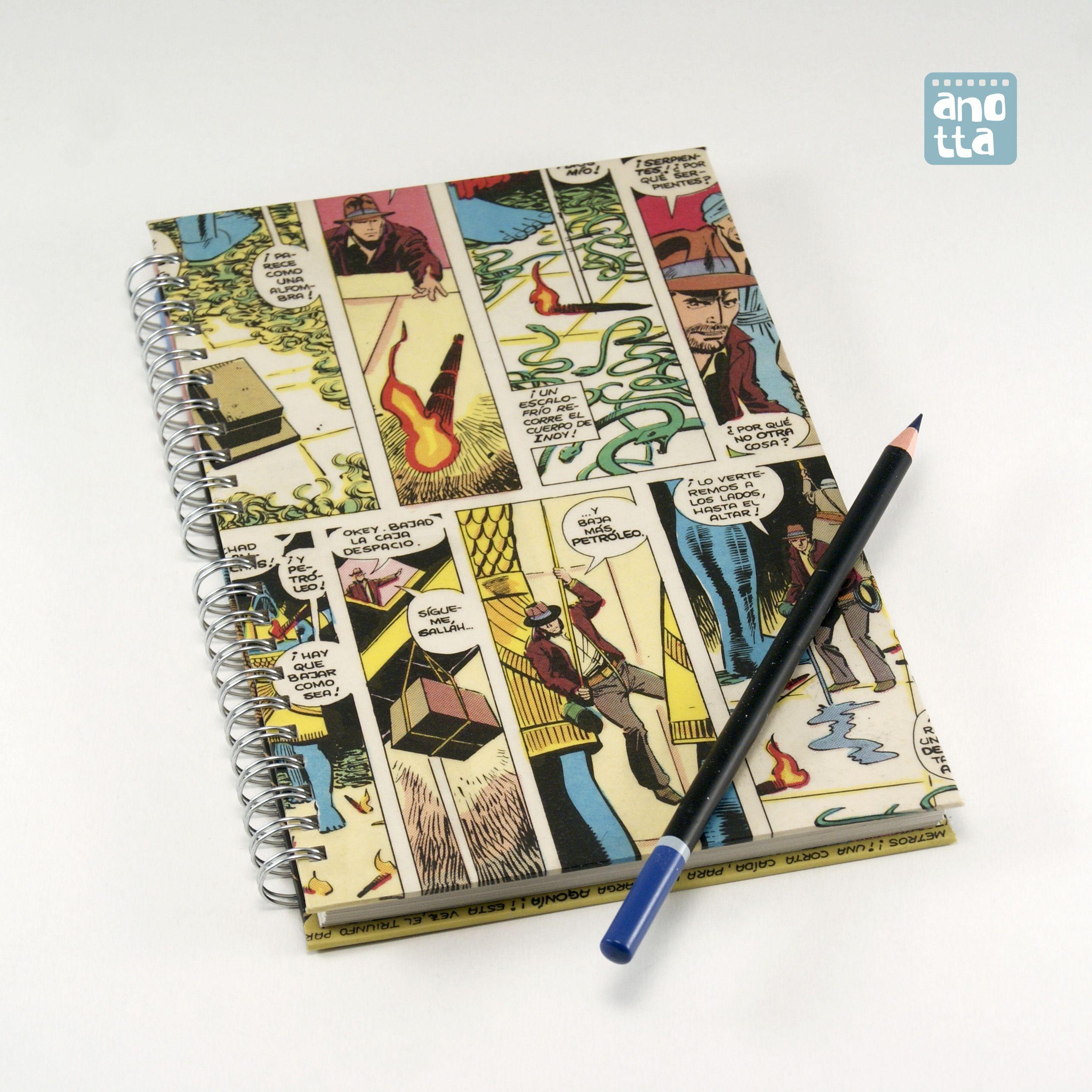 Libreta hecha a mano reciclando 4 páginas de un viejo ejemplar del cómic «En busca del arca perdida».