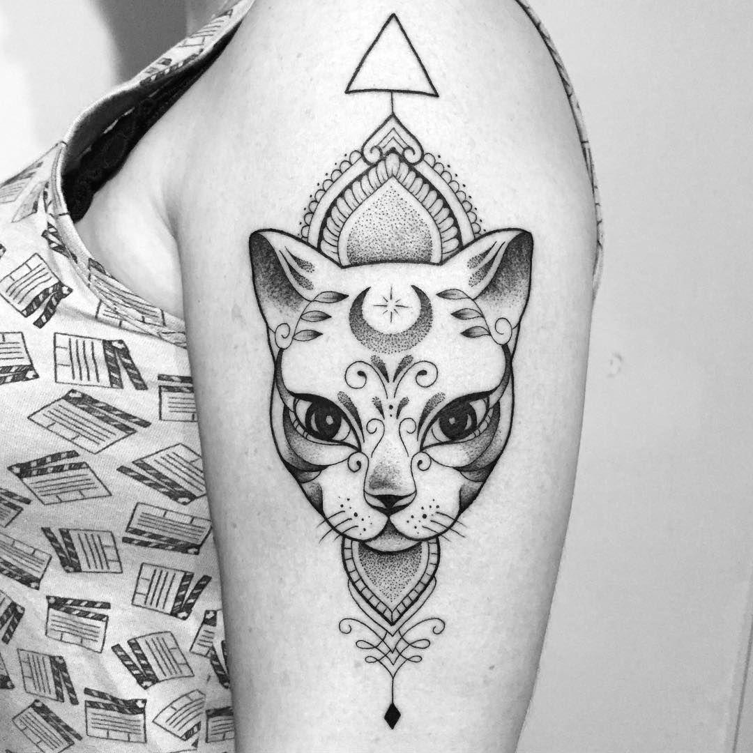 693 Likes 14 Comments Gabriela Blaezer Gabrielablaezer On Instagram Gato Mistico Body Art Tattoos Cat Face Tattoos Tattoo Design Drawings