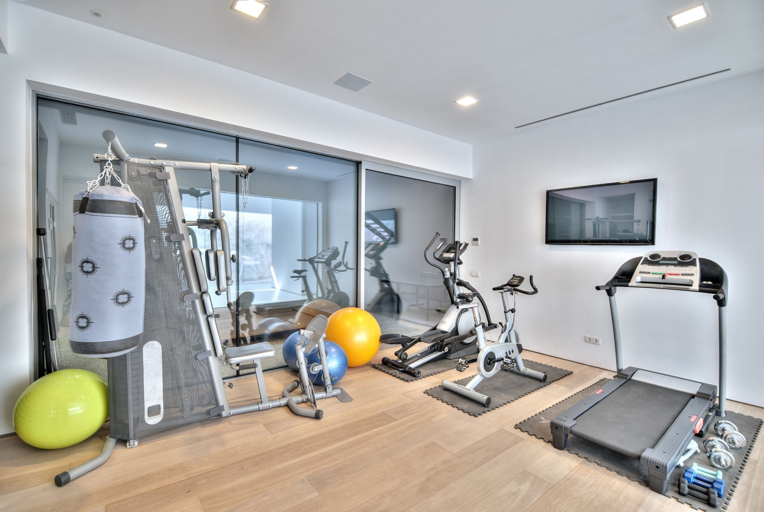 How to Turn Your Basement into a Home Gym Building a