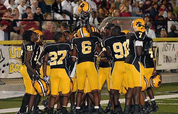 Valdosta is the high school football program with the most all-time wins  with 876