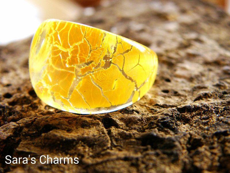 """Ring """"Crackle Yellow""""  von Sara´s Charms auf DaWanda.com"""
