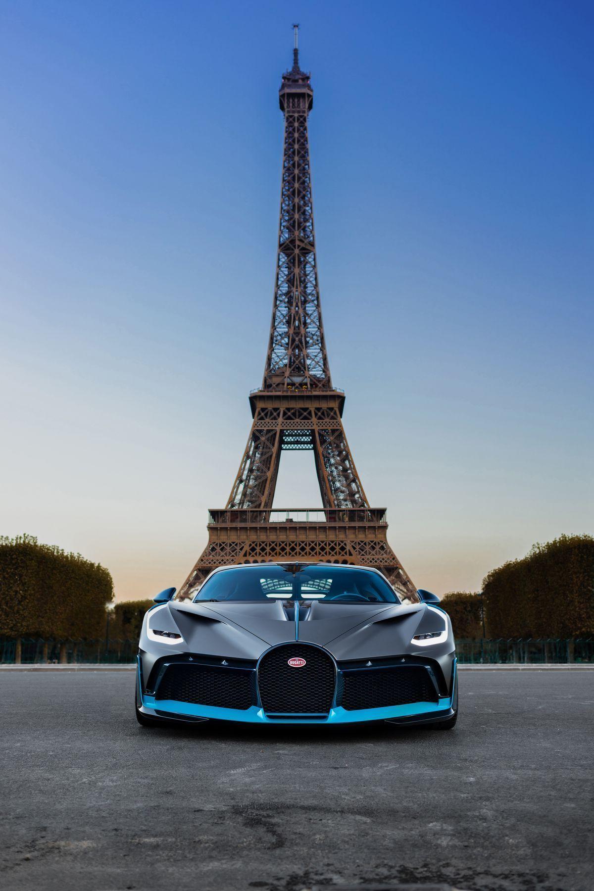 Photo of Der Bugatti Divo posiert in Paris #topluxurycars The newest and fastest sports c…