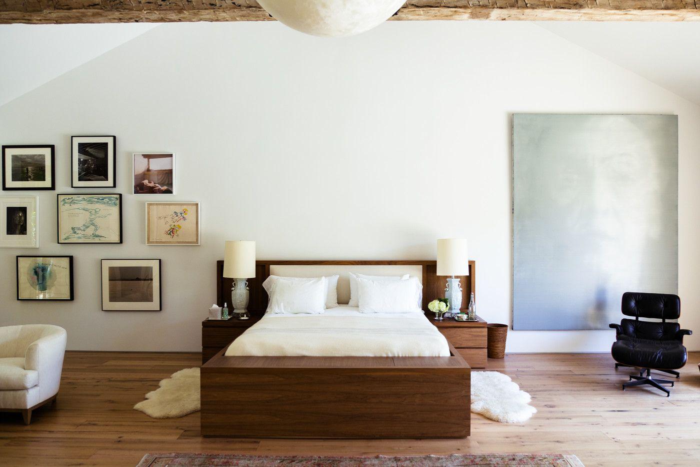 Que dormitorio más nórdico yo me veo en esa cama con pijama de