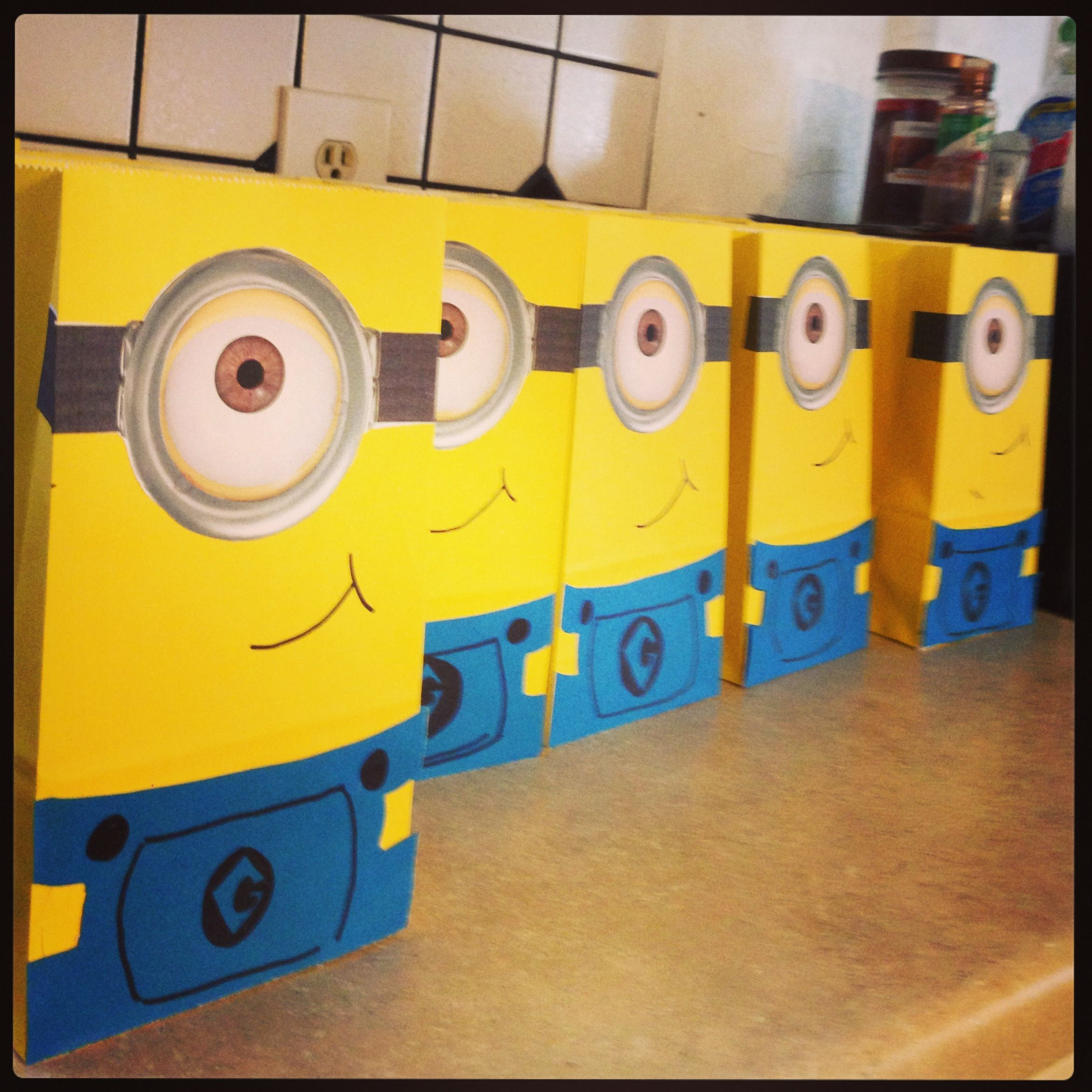 minion goodie bags jake pinterest goodie bags and. Black Bedroom Furniture Sets. Home Design Ideas