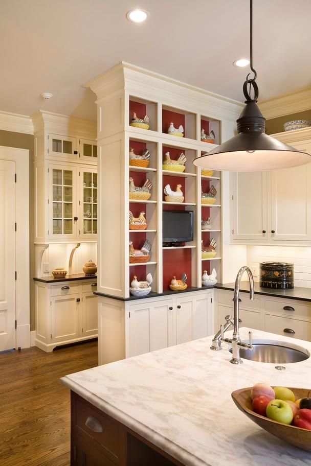 The Butler S Pantry Visible Behind The Main Kitchen Blends Seamlessly With The Open Floor Plan Kitchen Floor Plans Home Kitchens Mahogany Kitchen