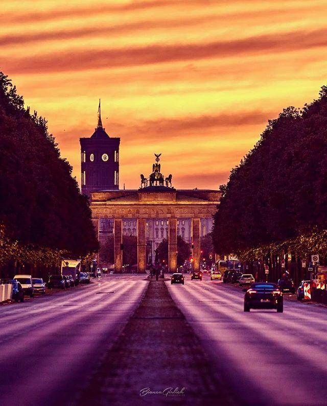 Brandenburger Tor Rotes Rathaus Berlin Stadt Rathaus Visit Berlin