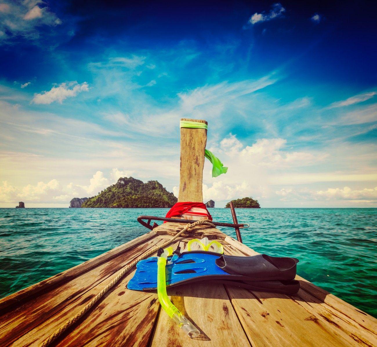 Walaupun masuk ke dalam wilayah DKI Jakarta, mungkin masih banyak dari kamu yang belum pernah menjelajahi Kepulauan Seribu. Padahal banyak pulau-pulau kecil yang indah dan masih cukup terjaga kelestariannya dan salah satunya adalah Pulau Dolphin. Masih ragu? Coba cek video yang ada di bagian atas artikel ini! Video berjudul 'Main-main ke Pulau Dolphin' yang diunggah …