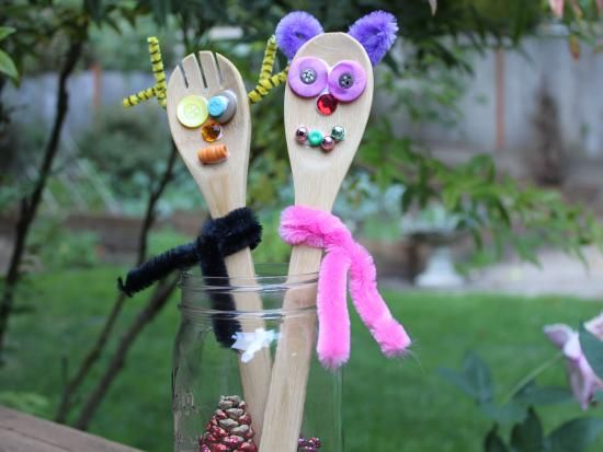Cool project from http://www.kiwicrate.com/projects/Wooden-Spoon-Reindeer/324: Wooden Spoon Reindeer