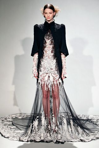78  images about marchesa on Pinterest  Sleeve Runway and Spring