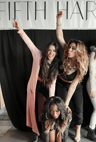 Aw Camila, Dinah and Normani are soo cute