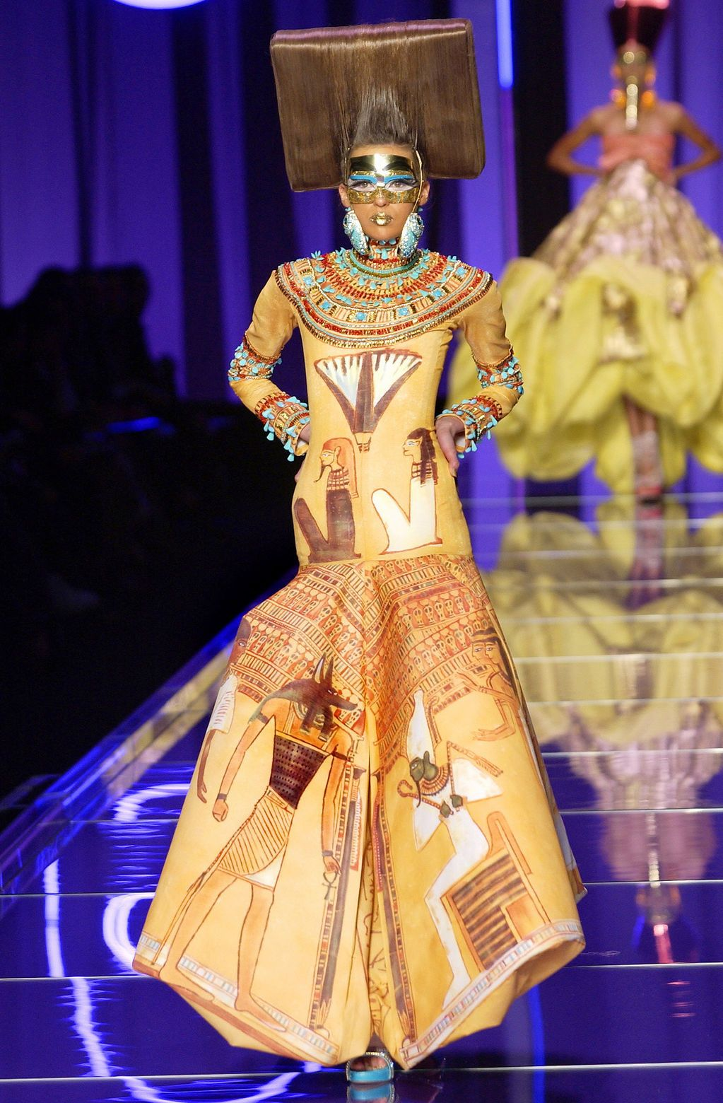 2004 Haute Couture Fashion Show Christian Dior Paris Ancient Egypt Pinterest Haute