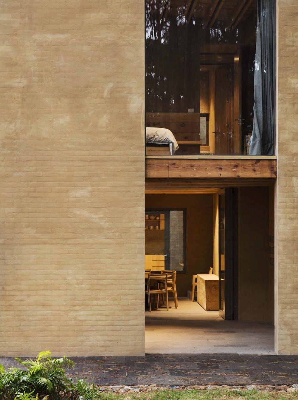 Houses Designed by Taller Hector Barroso Above Valle de