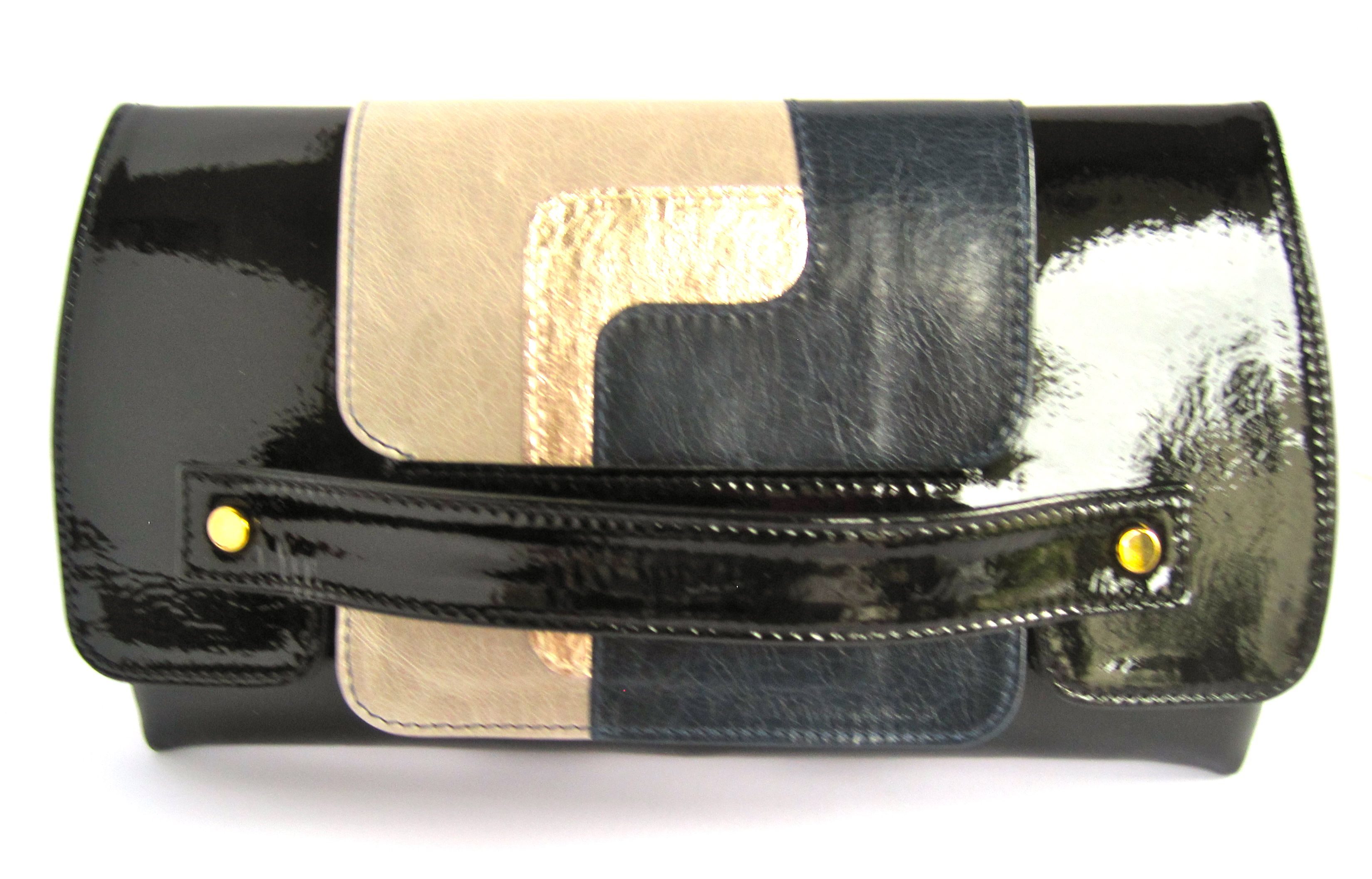 DERRINGER CLUTCH by sophie williams