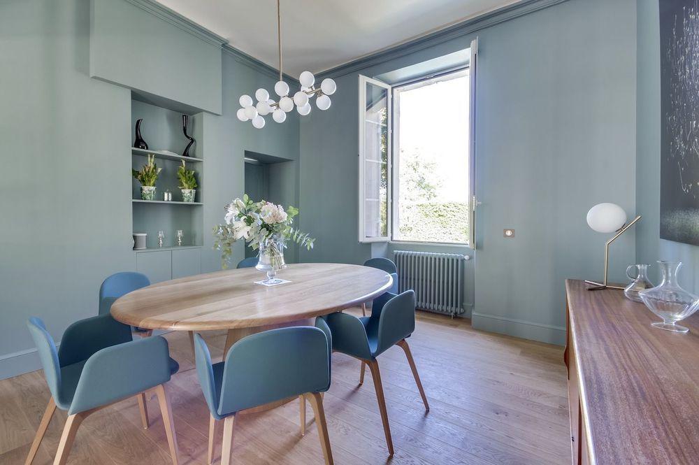 Maison Bordeaux  rénovation d\u0027une chartreuse pour une famille - Salle A Manger Parquet