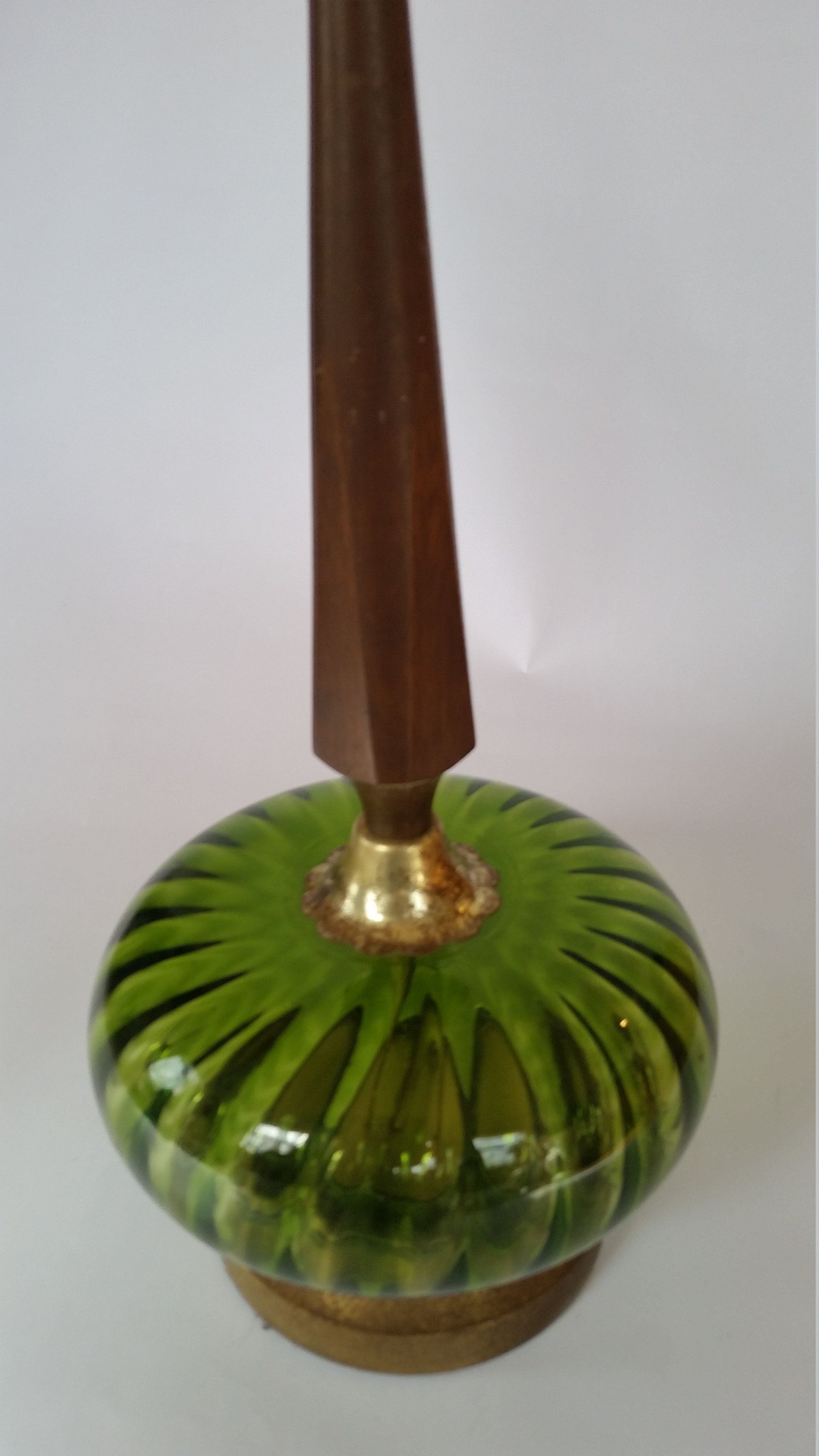 Vintage Lamp 70's Green Glass Globe And Wood Stem Table ...