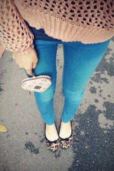 skinny jeans & animal print flats